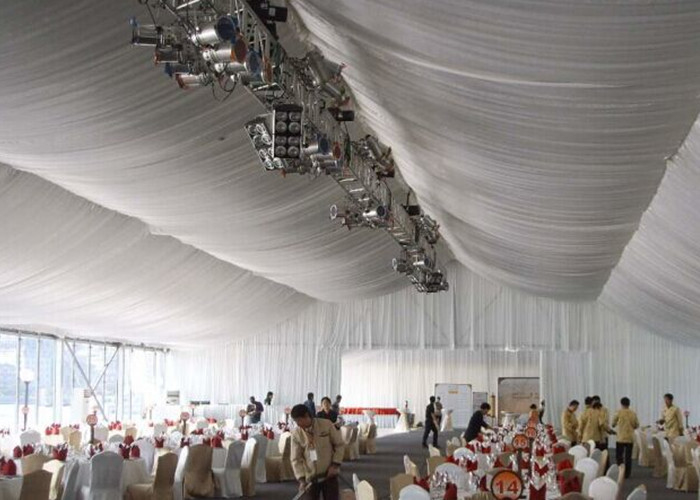 Customized Size Wedding Marquee Aluminum Frame Tent With Tables And Chairs