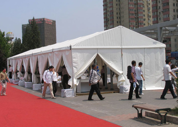 CE Certificated 30m Temporary Outdoor Event Tent Clear Span Flame Resistant
